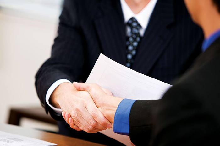 sales managers hire good sales people quickly