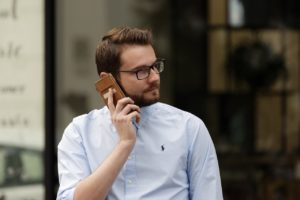 Toronto sales headhunters explain what phrases to avoid in a sales call