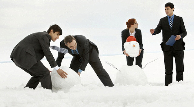 hire sales people during the holidays